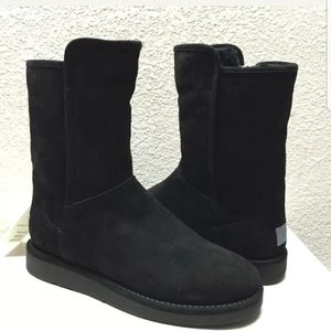 UGG Abree II Short Boot Size 10
